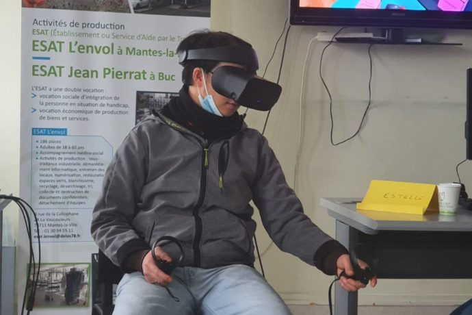 Fight against discrimination on employment, improve interpersonal skills of psychic disabled people with Virtual Reality